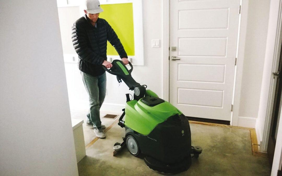 Saiba como agir para uma limpeza de piso eficiente em indústrias